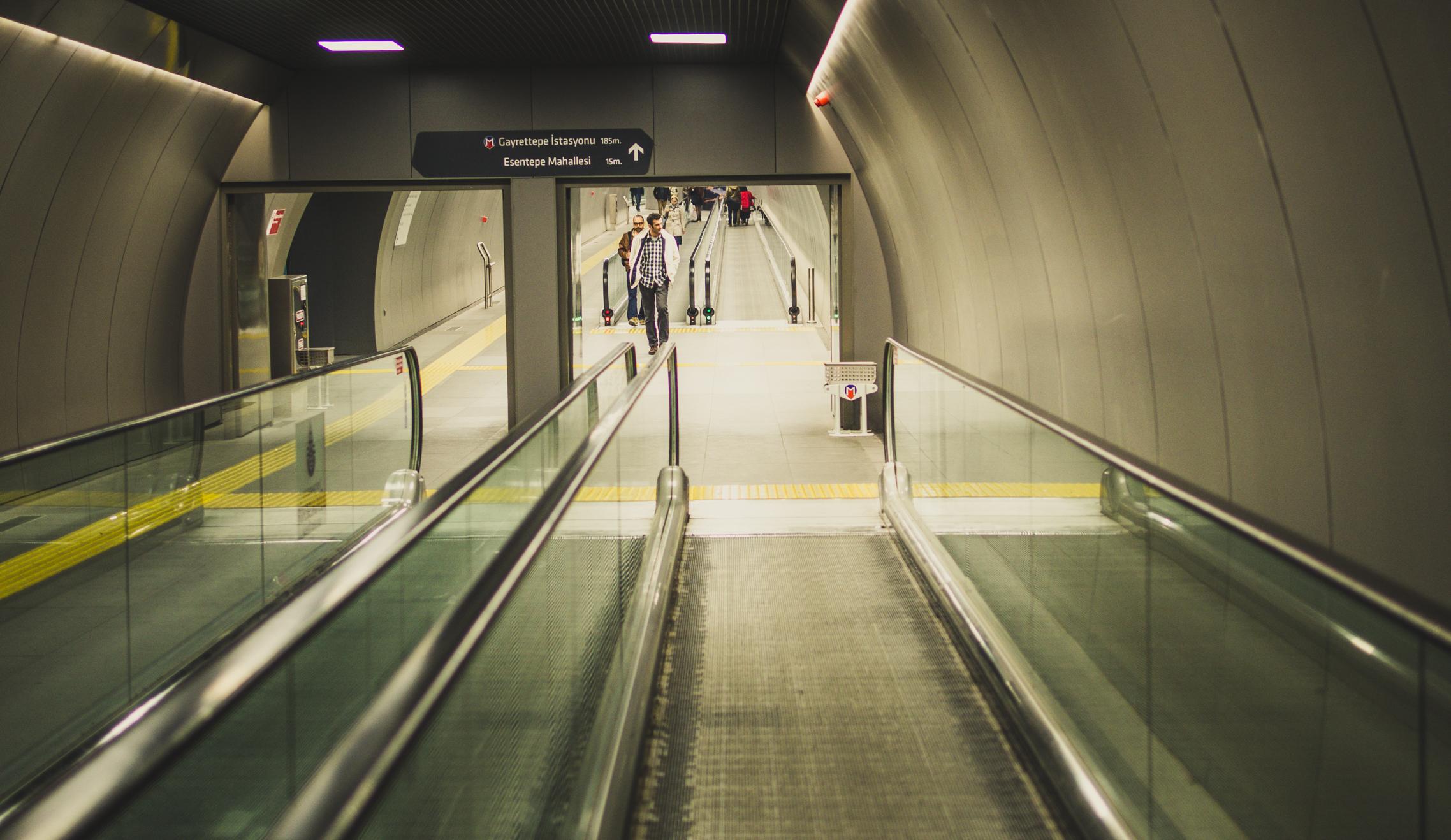 Verbindungen in der Tiefe: Tunnel zum U-Bahnhof Taksim.