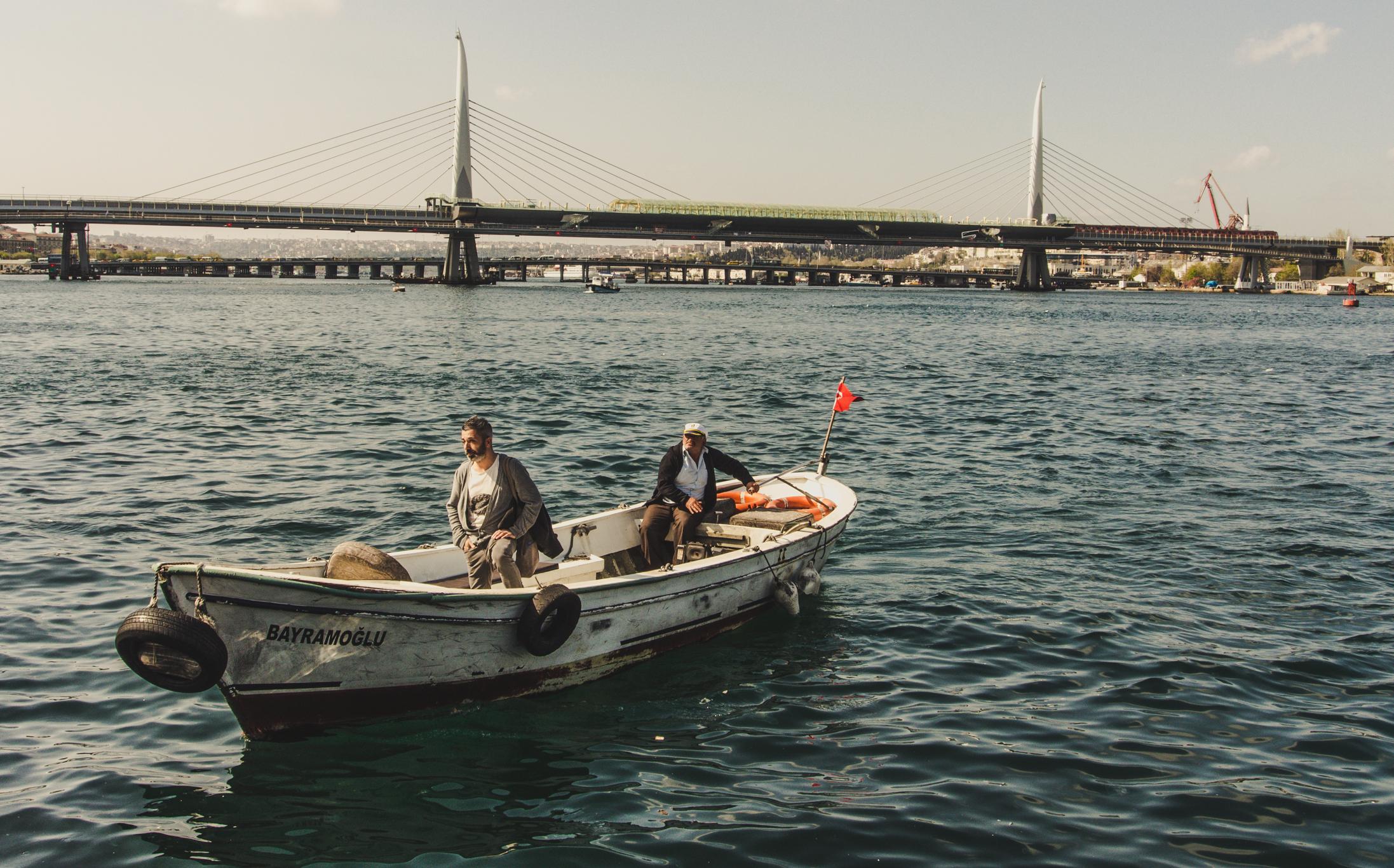 Stressfrei durch Istanbul kommen: Kleines Privatboot am Goldenen Horn.